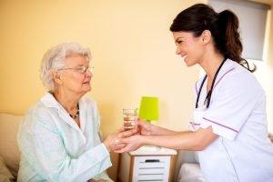 Enfermeras de práctica avanzada reducen hospitalizaciones